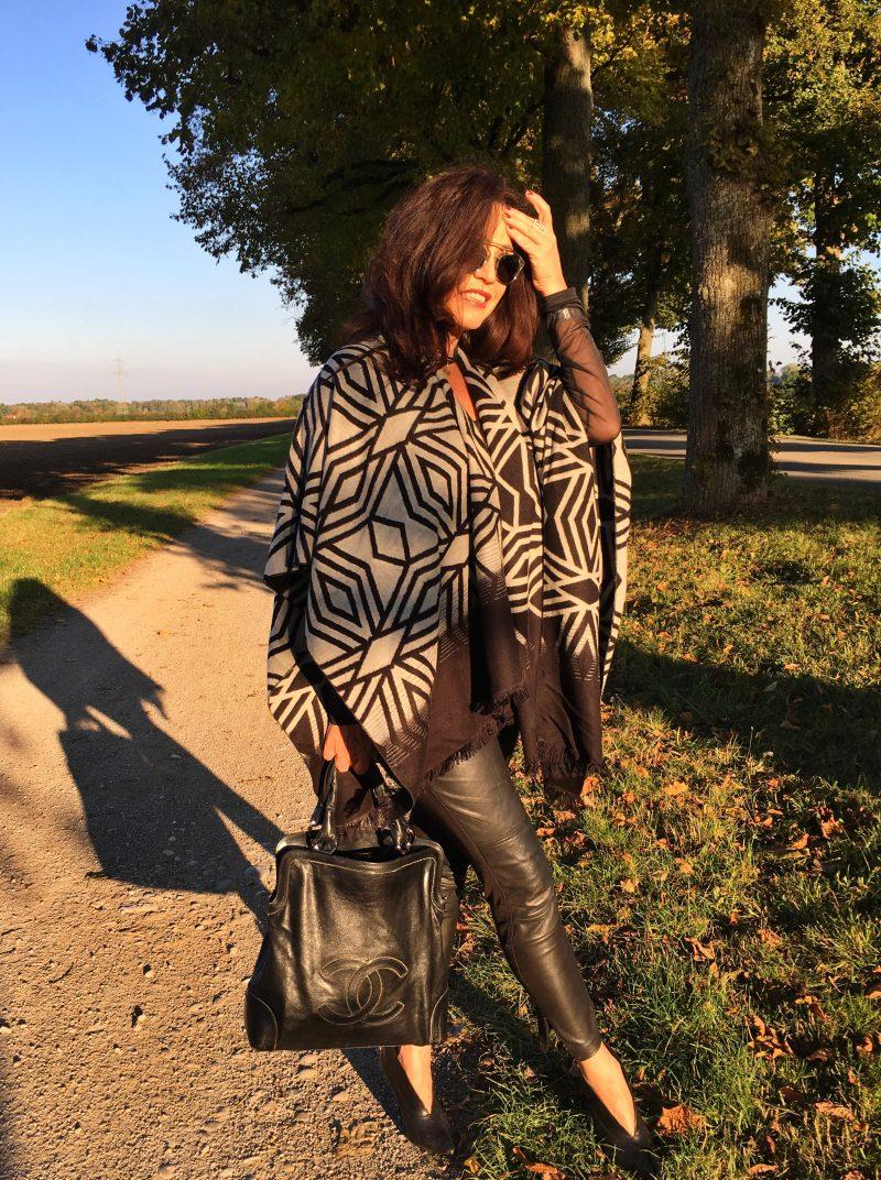 Chanel Bag, Moschino, Style, Fashion, Blue, Dior So real, Dior Shades
