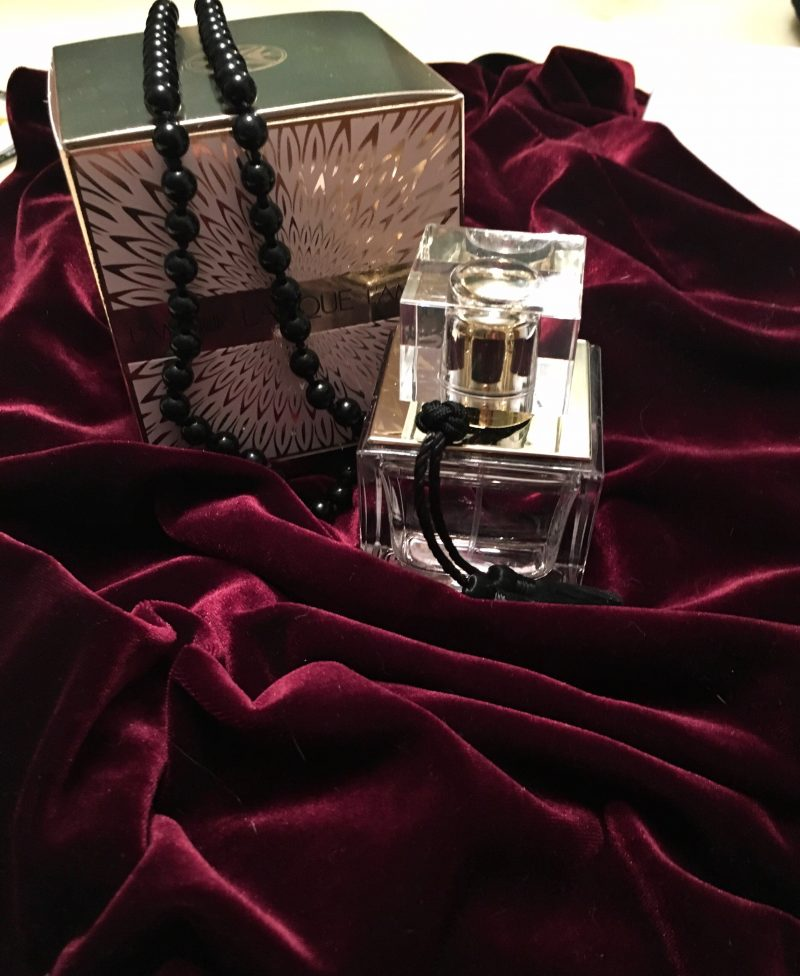 Velvet, lalique, style