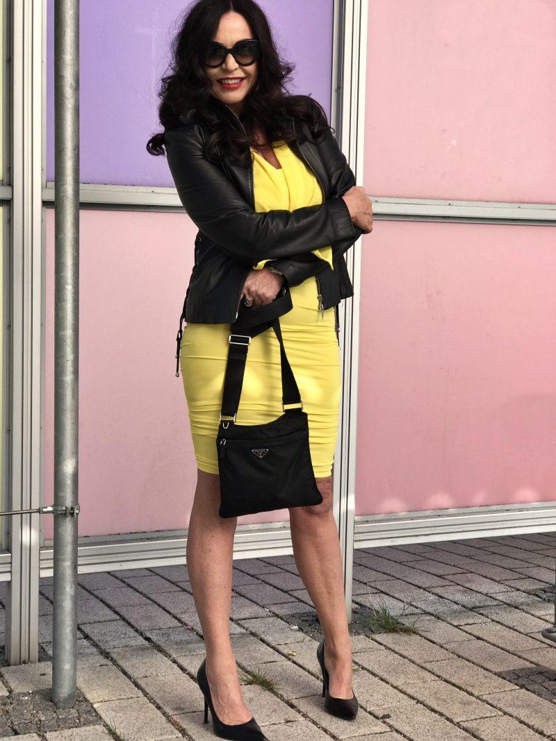 Wolford, Wolford Fashion, Zara, Prada, Kenneth Cole, New York, Ladies Fashion, Trend 2017, colors, yellow, springfashion, Spring 2017, style, Fashionblog, Modeblog, Damenbekleidung, Woman, Madame, Vogue