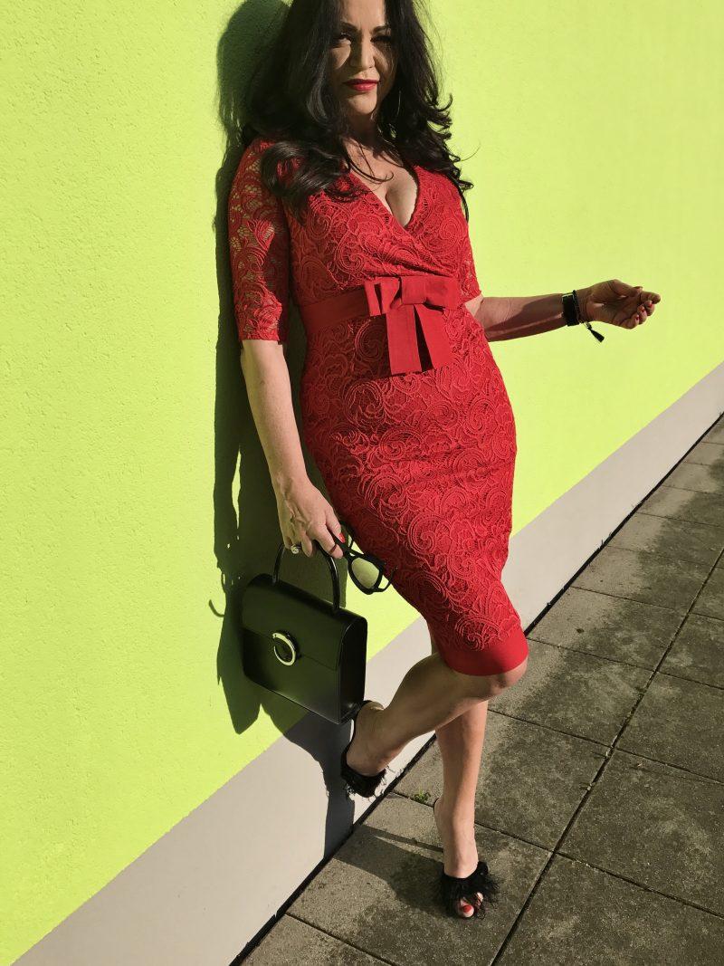 Vesper, Cartier, Bacirubati, Prada, eyewear, fashion, ladies, style, ageless, Damenmode, Lacedress, feathers