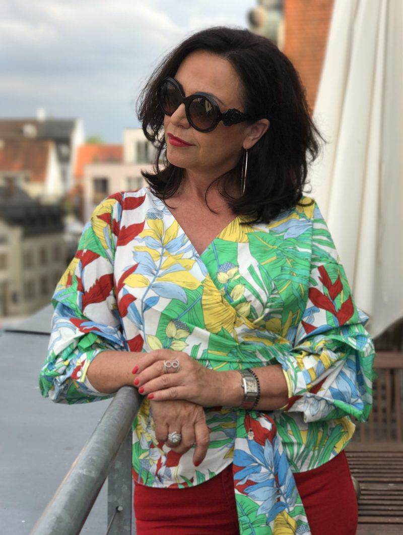 Zara, Dolce & Gabbana, style for ladies, blogger style, streetstyle for summer, streetwear, summerlook, colors, sommerlook, sonnenbrillen, eyewear, eyewearfashion, Modeblog, fashionista, over50