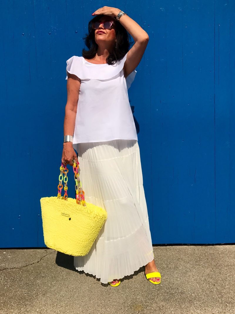 Uzurii, alison cheri, asos, Dior, Tiffany, ageless style, fashionblog, Ladies fashion, Damenmode, lifestyle, fashionweek, sandals, eyewear, eyewearfashion, italian style, beach bag, long skirt, bow, lumina