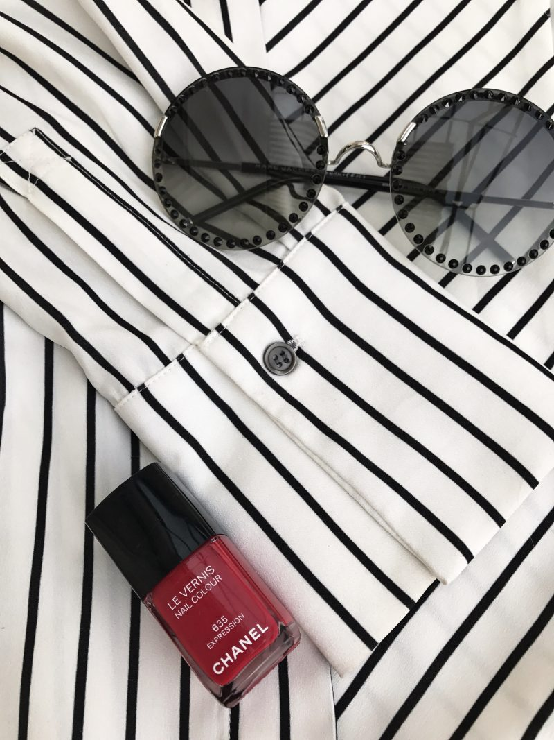 Millie Macintosh, stripes, red lips, Nine West, Chanel, Chanel bag, Marc Jacobs, eyewear, eyewearfashion, designer, Damenmode, Fashion for Ladies, Bekleidung, style and fashion, influencer, fashionweek, ageless, dress, Fringes, Fransen