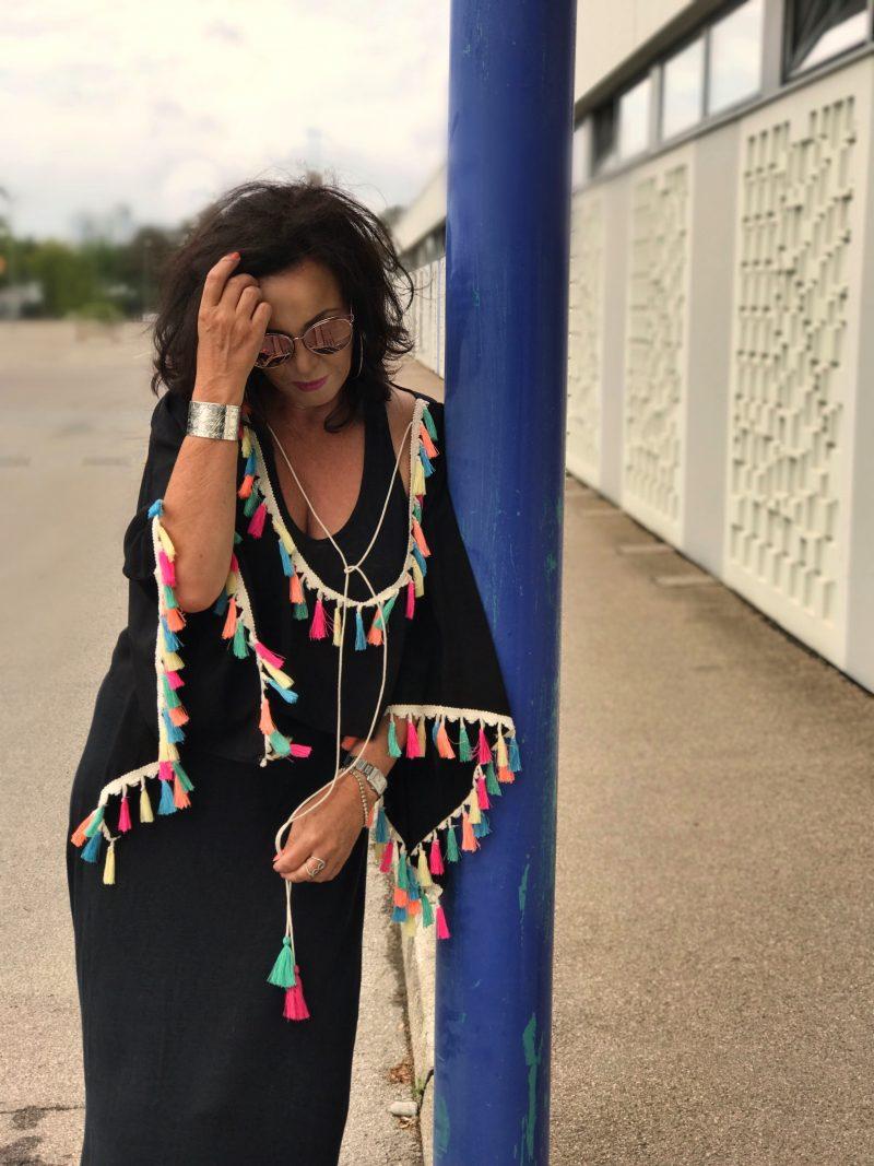 Majestical filatures Paris, Asos, Tassels, black, Gucci, Dior, DIOR eyewear, shades, eyewearblogger, eyeweartrends, Gucci shoes, ladies fashion, fashionweek, Damenmode, Bekleidung, woman, ageless style
