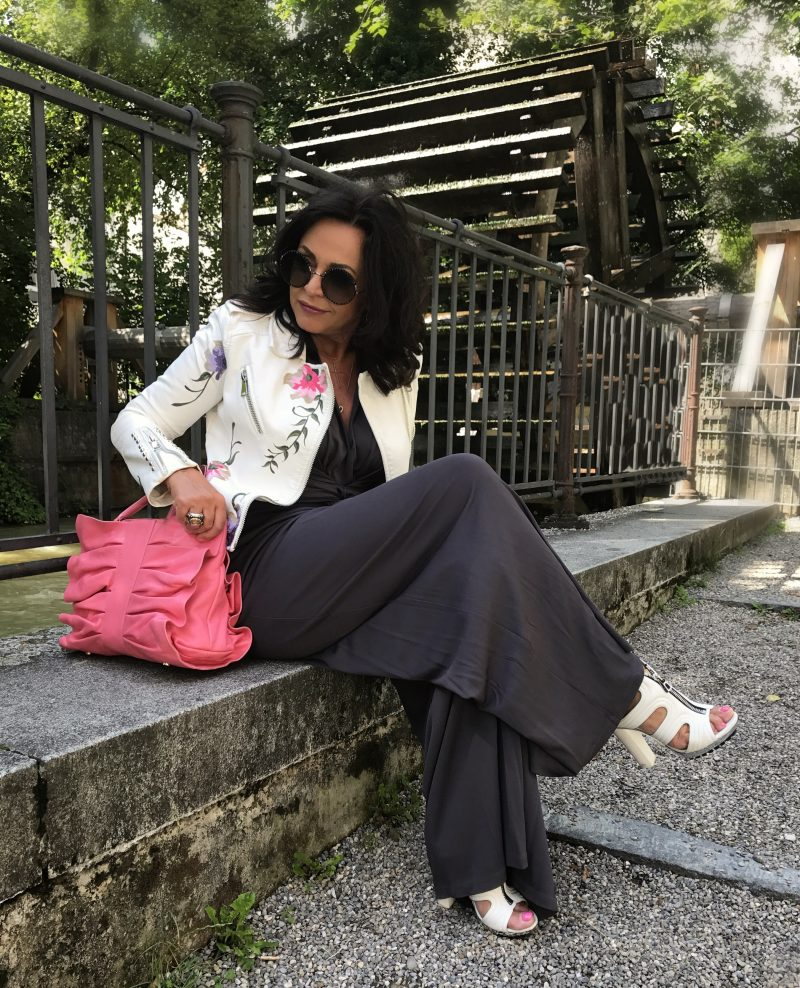 Fly moda, Manuela Fumagalli, Jumpsuit, valentino red, valentino, Marc Jacobs, fashionblog, ladies fashion, eyewear, eyeweartrend, shades, designer, Barbara Bui, Summerlook, ageless style