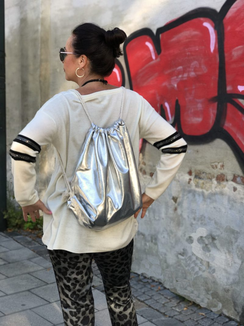 Grace, grace fashion, Dior, DIOR eyewear, eyewearblogger, trends, design, Gucci, Gucci shoes , Mode, Bekleidung, fashionweek, damenmode, ladies fashion, ageless style, styleranking, ideenreich fashion, GRACE, tassels, silver, backpack