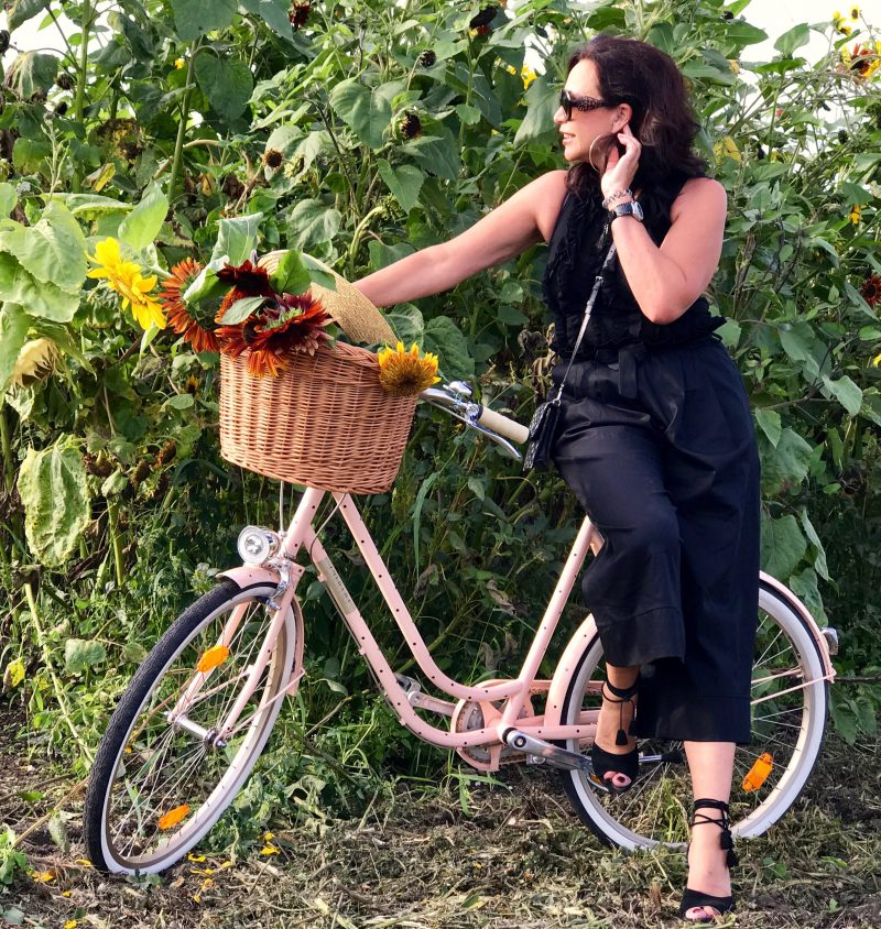 Prada, creme bike, new collection, bike pants, nine west, Prada bag, ladies fashion, alysi, Dolce & Gabbana, fashion, Modeblog, fashionista, bekleidung, damenmode