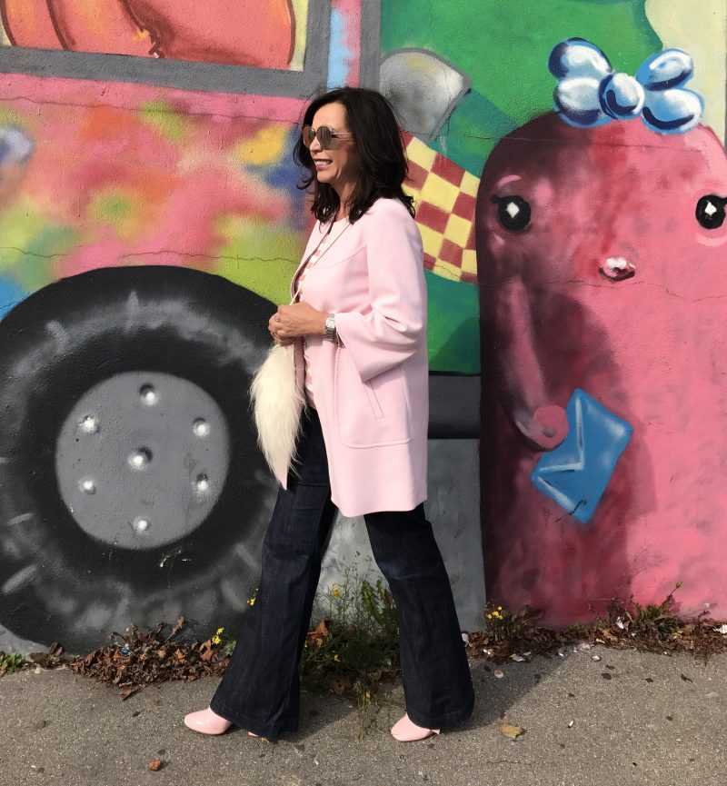 Blush coat Zara, Dior in public, shades, eyewearblogger, influencer50+, fake fur bag, style for ladies, fashionblog augsburg, fashion for ladies, Damenmode, Bekleidung, bestagemodel, bestage, Streetwear, Streetstyle, styleinspiration