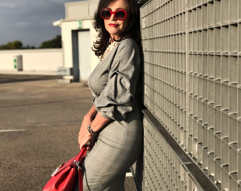 Glencheck, dress, Zara, Dolce & Gabbana, shades, eyewear, Ladies, fashionblog Augsburg, style, influencer50+, Damenmode, Bekleidung, Style for Ladies, streetstyle, streetwear, Outfit