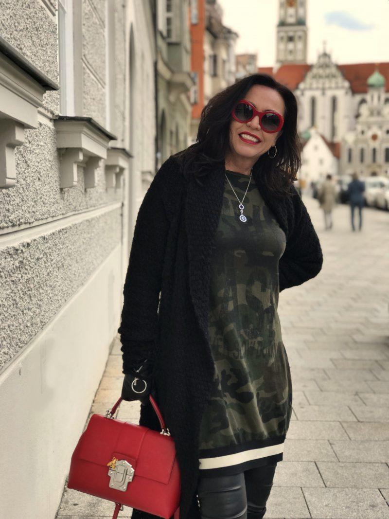 Camouflage dress, Ideenreich fashion, Chanel shades, Caparrini boots, Thom Krom, Bulgari jewelry, jewelry, eyewearblogger, Fashionblog Augsburg, ageless style