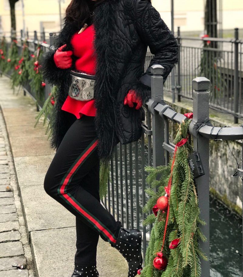 Beauty woman, Gucci stripes, Moschino boots, Laurél, Dolce&Gabbana, Armani, Designer, ageless style, Fashionblod Augsburg, winter outfit, bestage