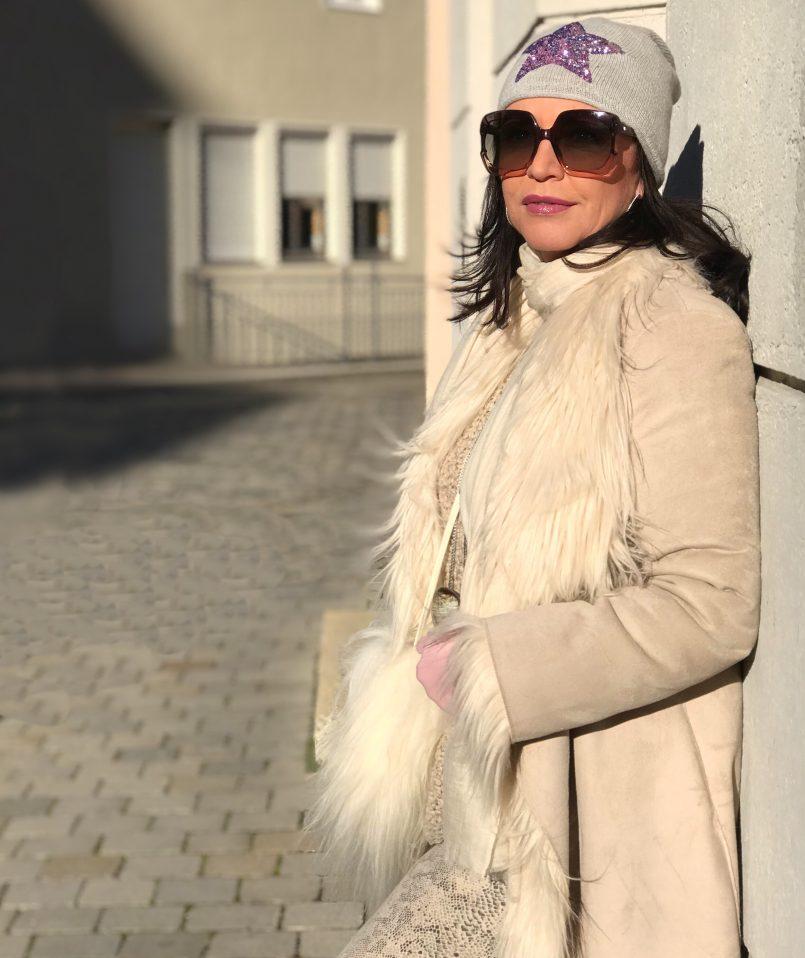 Oui, OUI Coat, Just EVE, Dior Shades, eyewear, eyewearblogger, bestage fashion, ageless style, Fashionblog Augsburg, Cashmere scarf, Asos boots, influencer50+,