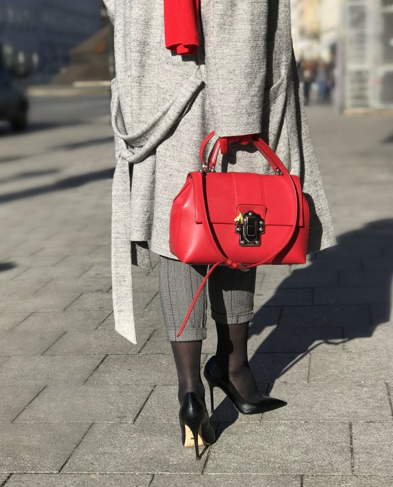 Set fashion, Dolce & Gabbana, Prada shades, Esvivid pants, Buffalo shoes, Prada shades, Fashionblog Augsburg, Damenmode, Eyewearblogger, Winteroutfit, streetchic