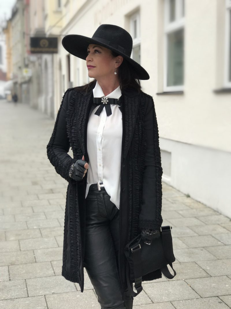 Dolce & Gabbana, Prada, Hallhuber, Moschino, Nine West, Karl Lagerfeld, style for Ladies, ageless fashion, Fashionblog Augsburg, Bekleidung, Damenmode, Streetstyle