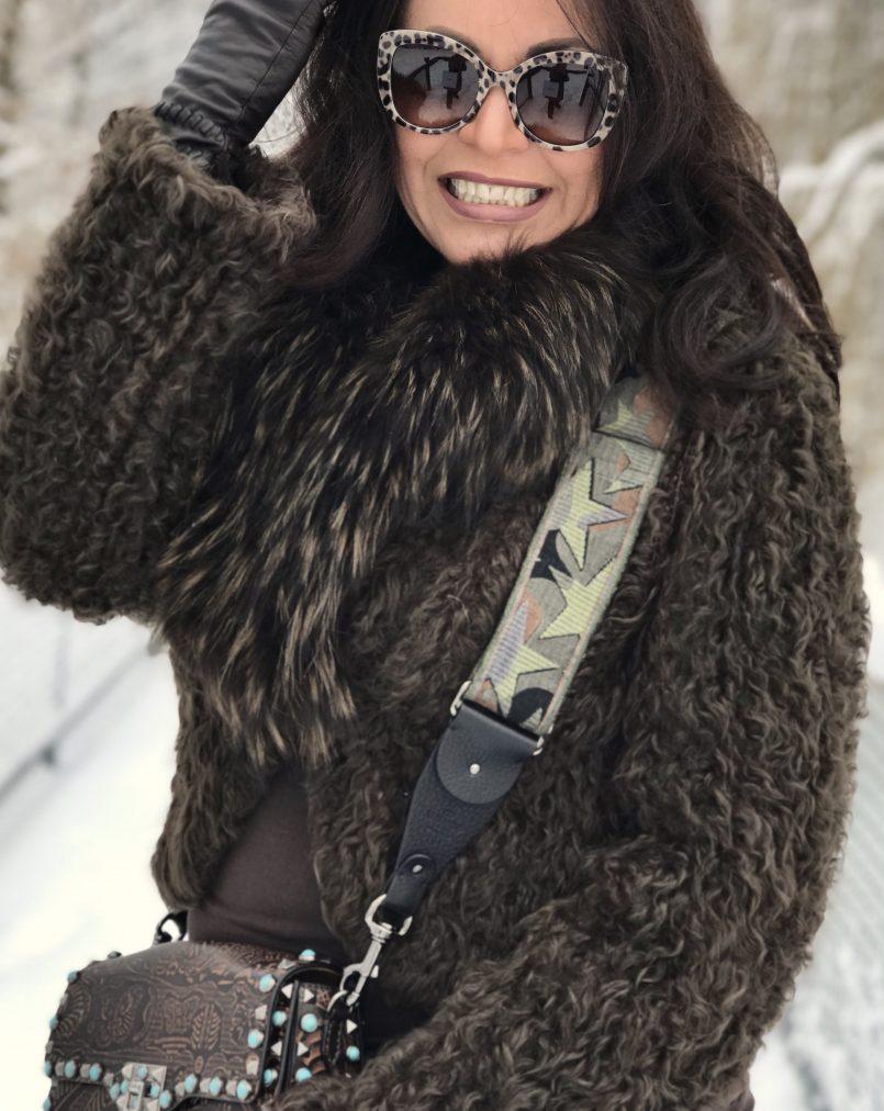 Marc Cain. Jacket, Valentino Bag, Dolce & Gabbana shades, Eyewearblogger, eyewearfashion, Marciano Jeans, Renee's New York gloves, ageless style, fashion for ladies, streetchic, streetstyle for winter, streetfashion, bestage, Fashionblog Augsburg