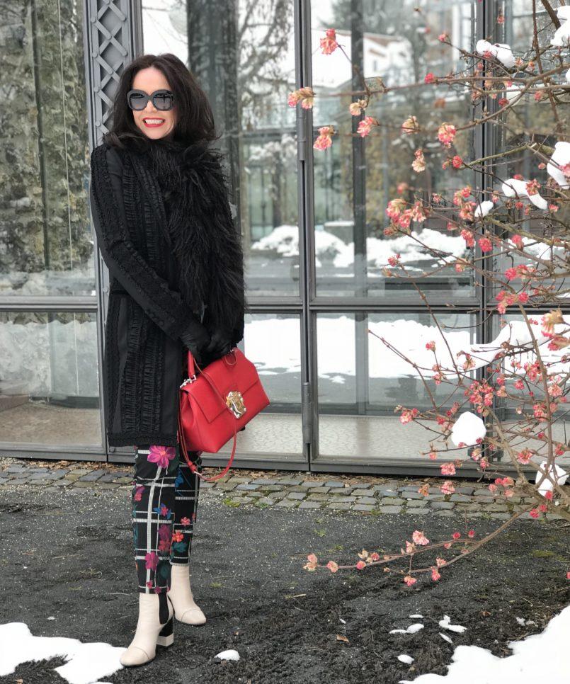 Biancoghiacco pants, Italian fashion, Dolce Gabbana, Giorgio Armani, Lea-Gu shoes, ageless style, Fashionblog Augsburg, Fashion for Ladies, Italia Moda, Damenmode, Bekleidung, Style for Woman, Streetchic, streetwear, streetfashion in winter, winteroutfit, fancy style