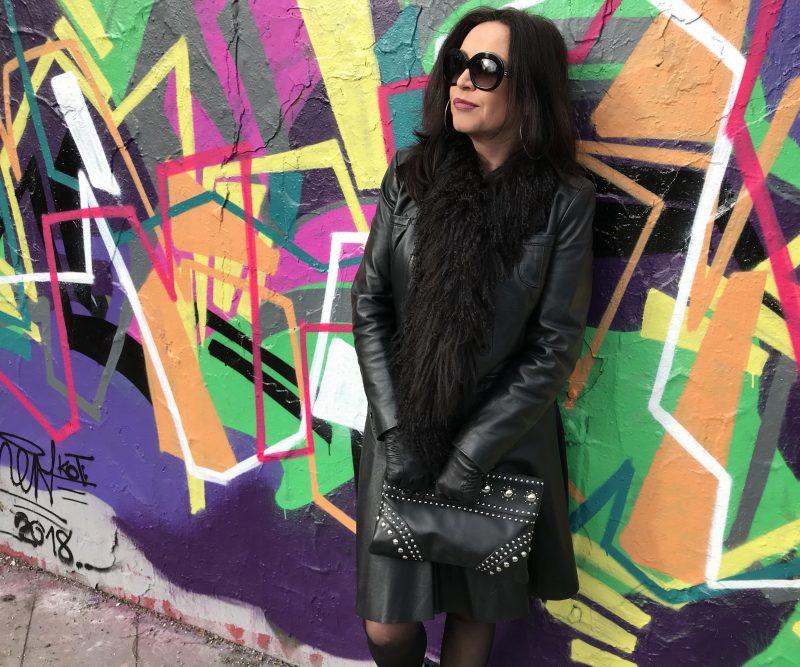 nude skirt, Leder Walter, Prada Bag, Steve Madden sandals, calzedonia socks, Calvin Klein shades, Lodenfrey scarf, ladies fashion, ageless style for ladies, Damenmode, streetstyle, streetfashion, eyewearblogger