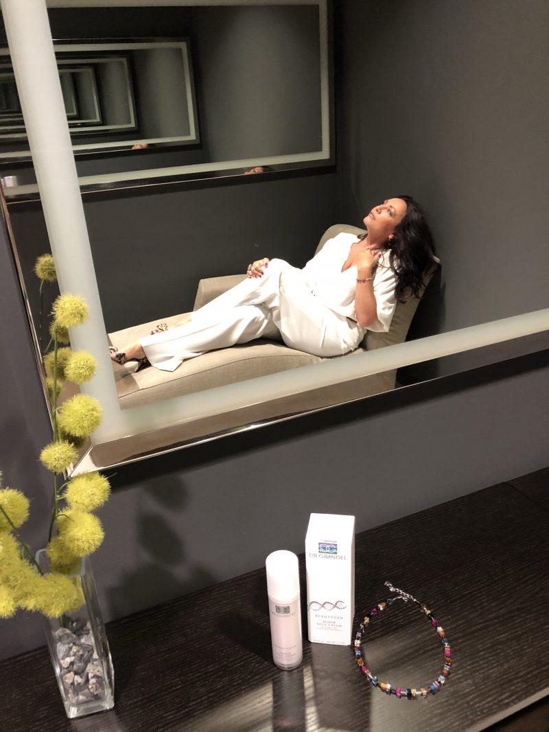 Kosmetik, Dr. Grandel, Beauty, beautyblogger, Hautpflege, skincare, antiaging, neck creme, Halscreme, Pflege für die Haut, Sommer, Faltenreduzierung, Faltenminderung, wrinkle treatment, Hautstraffung,