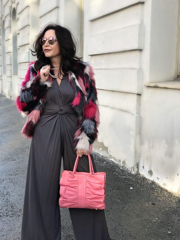 Patchwork Jacket Oui Fashion, Jumpsuit Manuela Fumagalli, Shades Dior, Bag RED Valentino, Fashion for Ladies, ageless style, Bekleidung, Damenmode, Streetwear, streetfashion, streetstyle for winter, winteroutfit, fashion inspiration