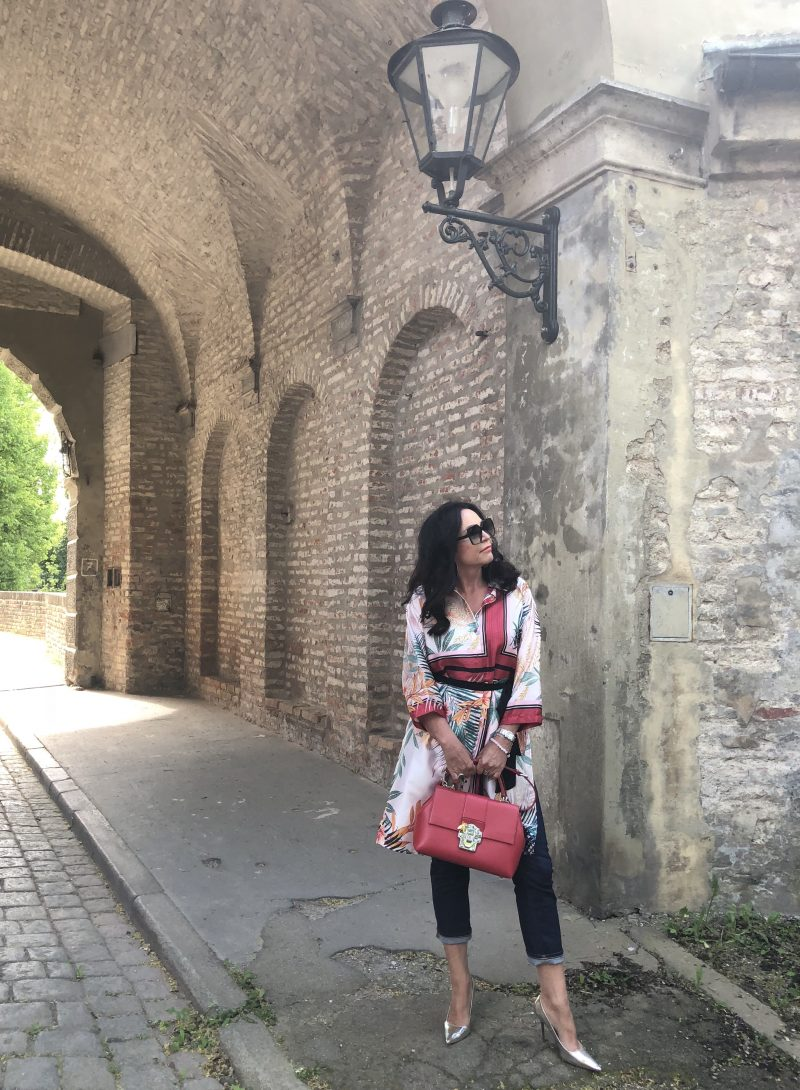 Zara top, Saint Laurent shades, Dolce & Gabbana bag, Jimmy Choo shoes, Fashionblog Augsburg, ageless fashion, style for Ladies, Bekleidung, Damenmode, streetstyle, streetchic, bloggerstyle, trend2018