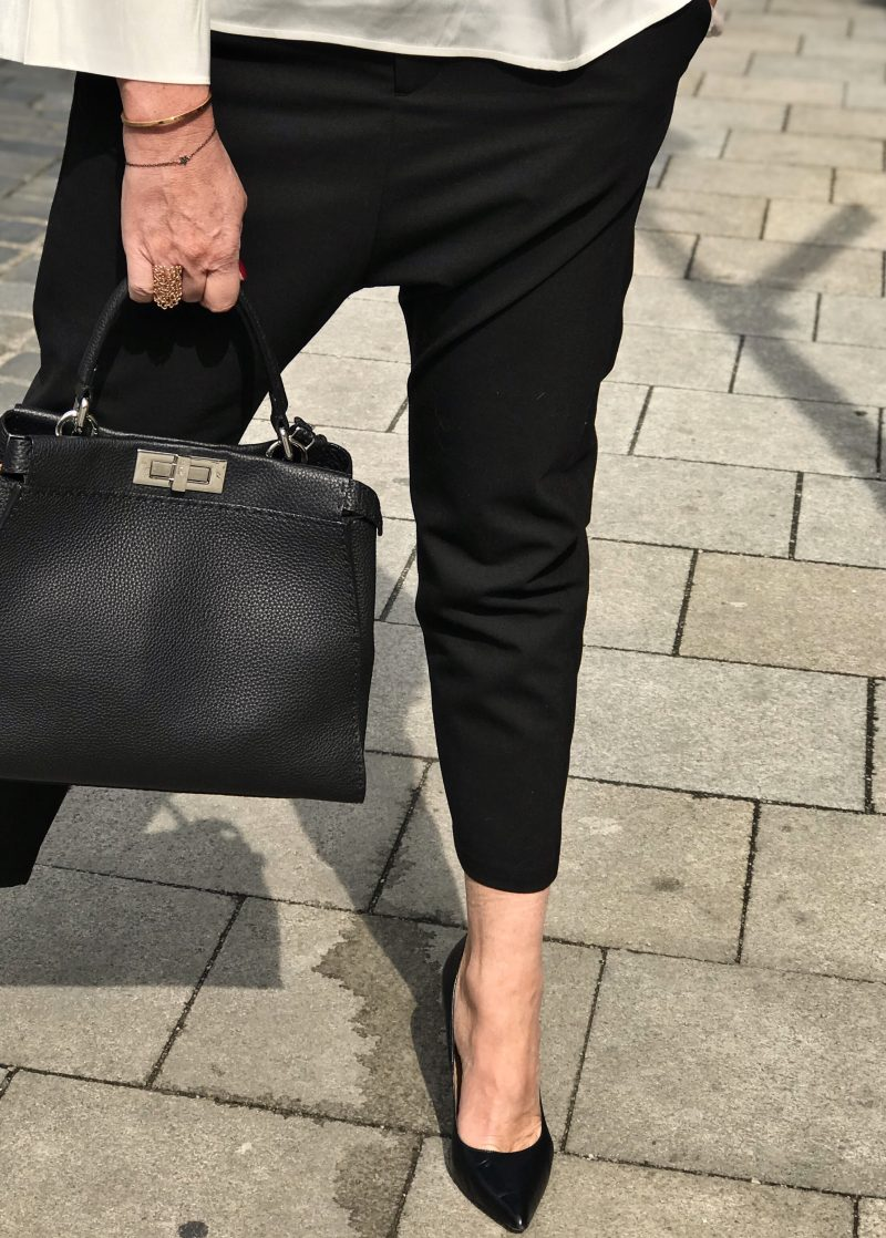 Hope Stockholm, Grace fashion, black and white, Fendi bag, Buffalo shoes, Prada shades, designer wear, streetchic, ageless style, streetfashion, classy outfit, fashion for ladies, Fashionblog Augsburg, bestage