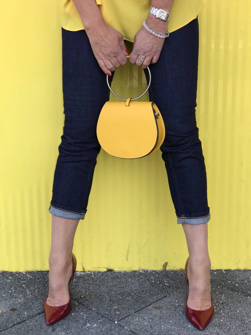 Zara top, bag 8, Zara earrings, Closed jeans, Buffalo shoes, Chanel shades, Fashionblog Augsburg, streetchic, summerlook, style for ladies, ageless fashion, ageless, yellow style, summer colors, Damenbekleidung, accessoires, Bekleidung, woman