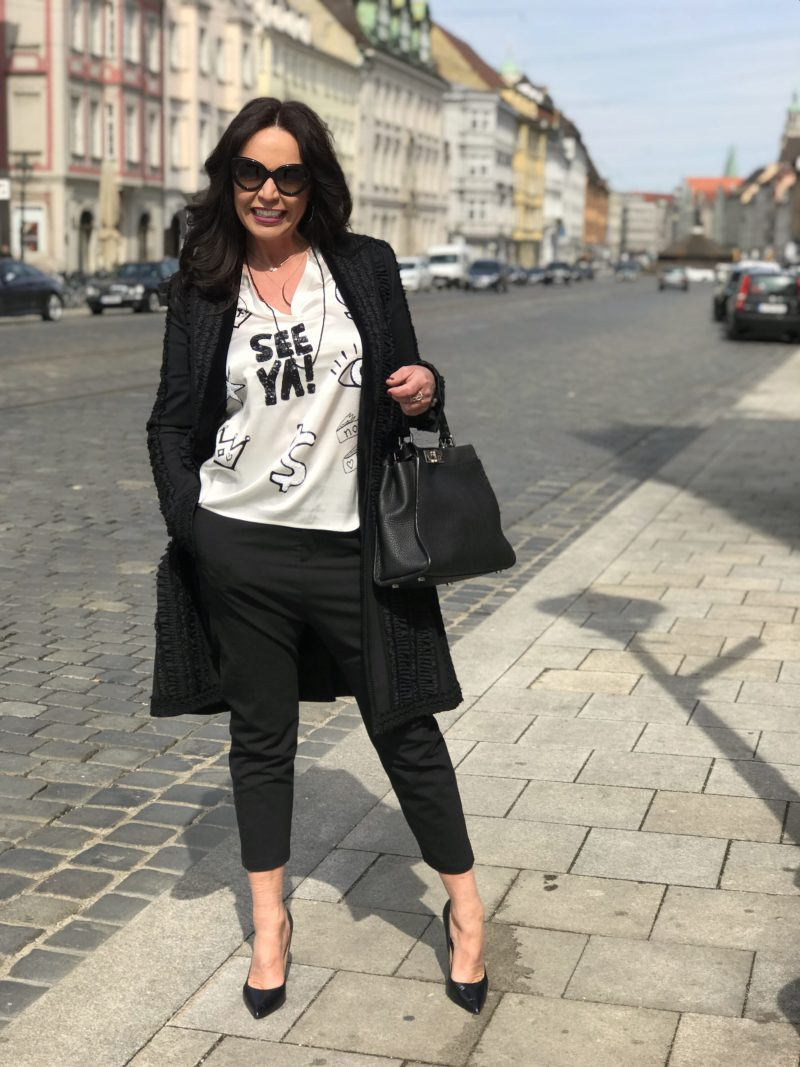 Hope pants, Grace fashion, black and white, Hope pants, Fendi bag, Buffalo shoes, Prada shades, designer wear, streetchic, ageless style, streetfashion, classy outfit, fashion for ladies, Fashionblog Augsburg, bestage