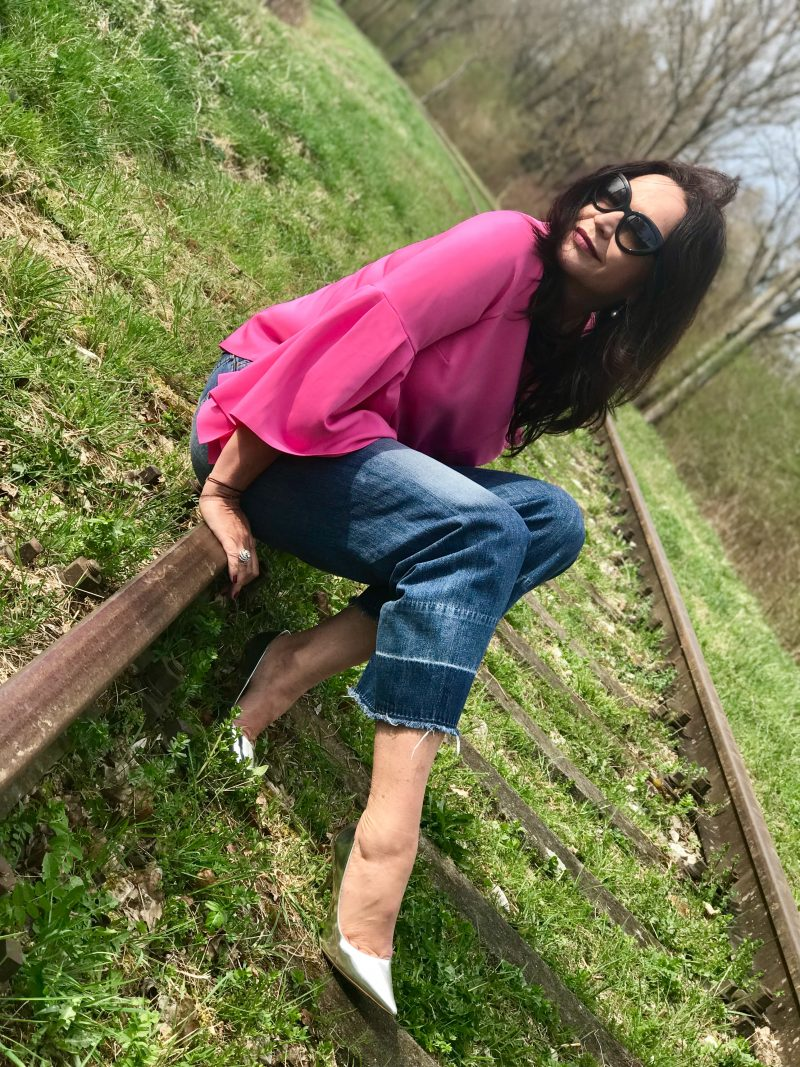Jimmy Choo shoes, citizens of humanity Jeans, sam Edelman bag, Asos top, Chanel pin, Prada shades, Fashionblog Augsburg, style for ladies, shoelover, designershoes, streetchic, streetfashion, ageless style, woman, Damenmode, Damenbekleidung, eyewearblogger, eyewearfashion, designerwear