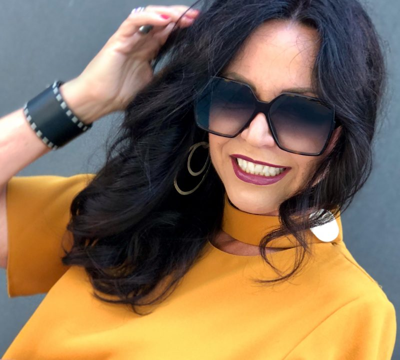 Honey yellow pants, top Zara, Shoes Steve Madden, Bag 8, Shades Saint Laurent, Damenmode, ageless style, style for ladies, Bekleidung, bestage, eyewearblogger, stylish outfit, designerwear, streetchic, streetwear, fashionblog Augsburg, Modeblog, Prada Bracelet