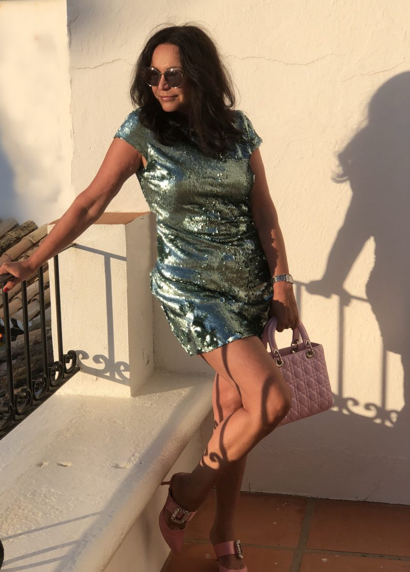 Zara dress in mint, Pailletten, Dior bag, True decadence shoes, Dior sunglasses, ageless fashion, party look, party dress, designerwear, streetchic, Damenmode, Bekleidung, Fashionblog Augsburg, bestage, mystyle, fashion addict