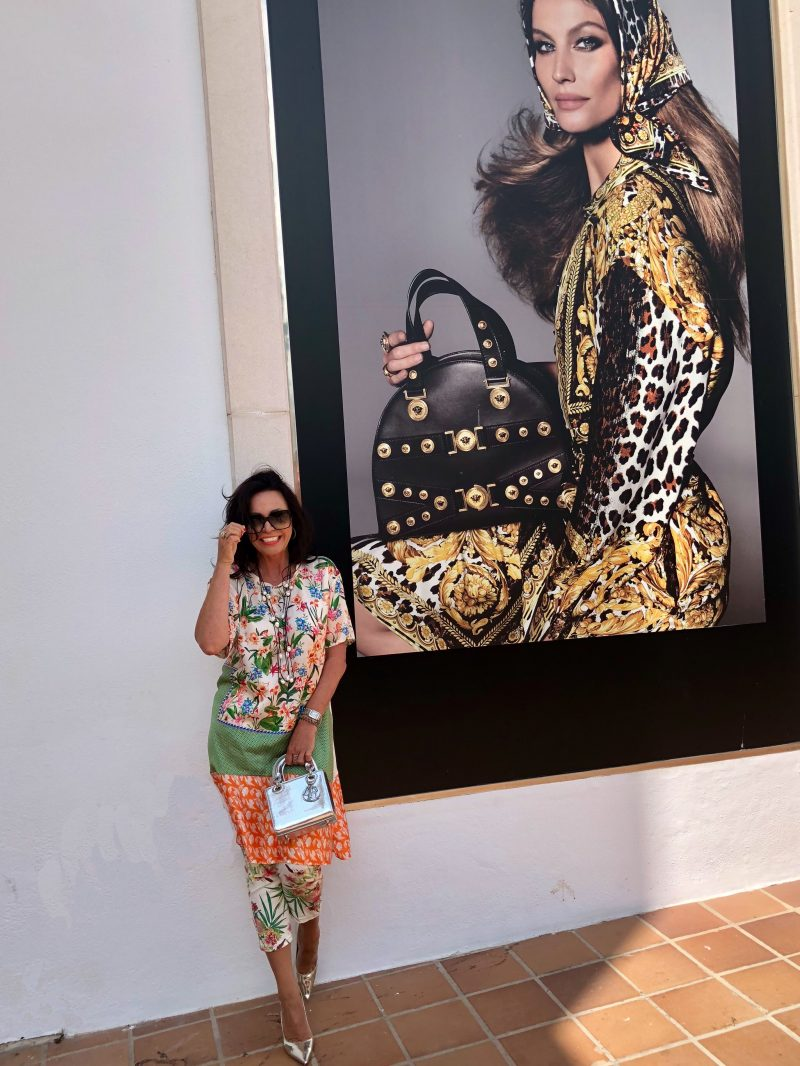 Summerlook with prints, Zara top, Jeans Ralph Lauren, shoes Jimmy Choo, Bag Dior, shades Saint Laurent, Fashionblog Augsburg, Style for Ladies, Damenmode, bestage, ageless style, ageless fashion, eyewearblogger, streetstyle, streetchic, fancy style, baglover, designerwear