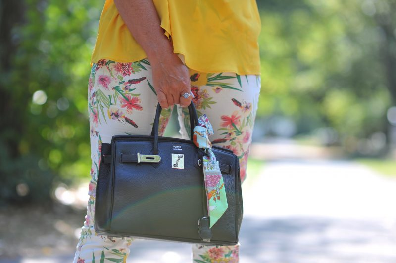 Ralph Lauren pants, print, Barbara Bui shoes, Saint Laurent shades, Hermés bag, MVMT watch, Zara top, ageless fashion, bestage, vogue cafe, Bekleidung, Damenmode, Jeans, streetstyle, summerlook, summerstyle, designerwear