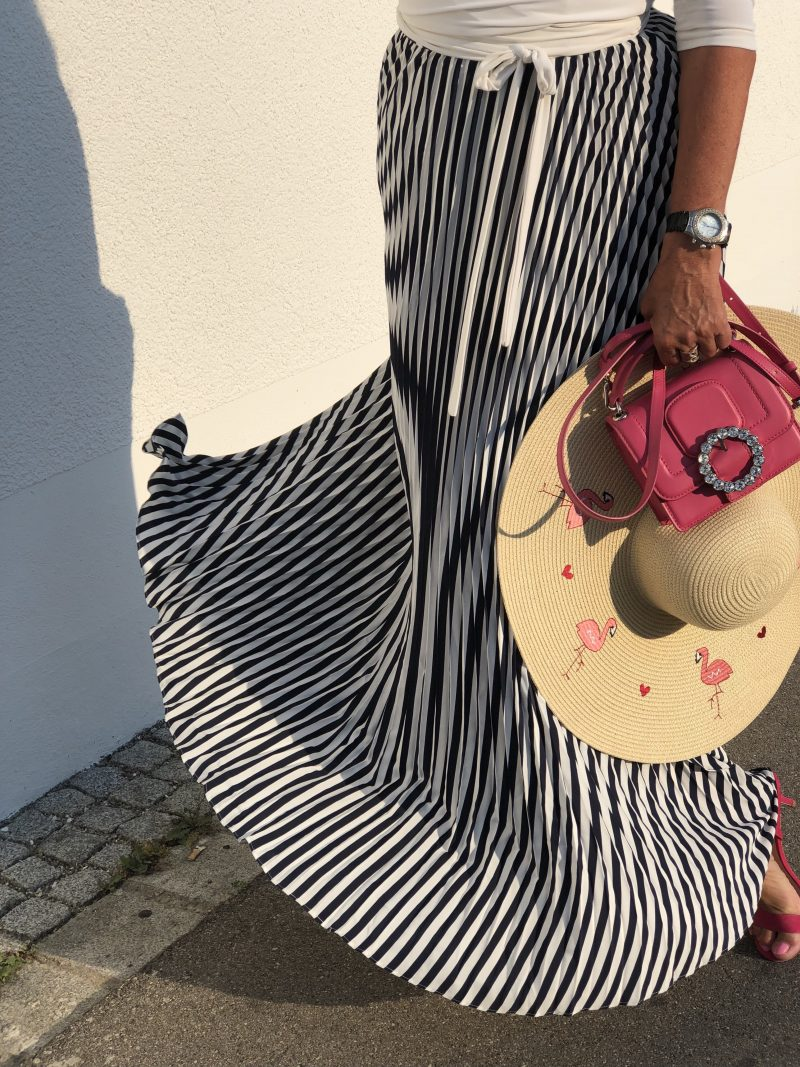 Oasis summer dress, Germano Zama top, Dune Shoes, Marc Jacobs bag, Flamingo hat, Summerlook, style for ladies, ageless fashion, mystyle, voguecafe, munichblogger, eyewearblogger, stylish, streetchic, streetstyle