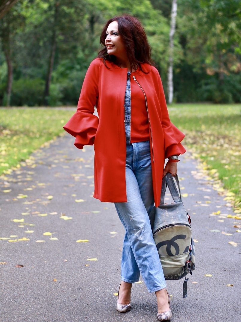 Chanel backpack, Zara coat, Nine West shoes, Gap jeans, ageless fashion, mystyle, bestage, styleatanyage, prefall look, streetchic, streetwear, fasihonblogger, bloggerstyle, Fashionweek, Fashionblog Augsburg, over50