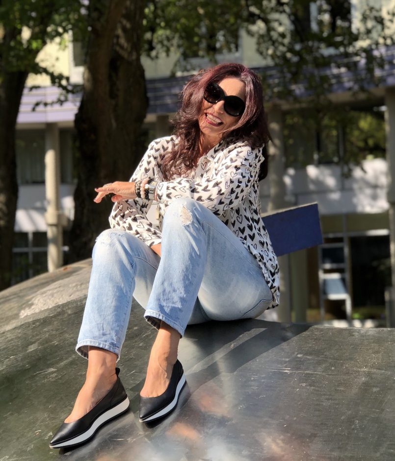 Avellino shoes, Paris, Grace top, GAP Jeans, Giorgio Armani Jeans, Grace fashion, Fashionblog Augsburg, vogue style, Bekleidung, Damenmode, Fashionblogger, eyewearblogger, streetstyle, streetfashion, Paris Fashion Week