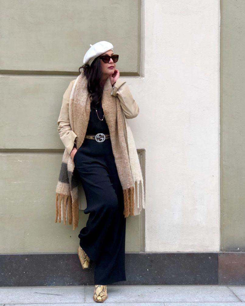 Streetstyle meets Schumacher, beret, Annette Goertz pants, Mango coat, Stuart Weitzmann boots, snakeprint, leaf jewelry, streetchic, ageless fashion, bestage, eyewearfashion, Dolce & Gabbana, Fashionblog Augsburg