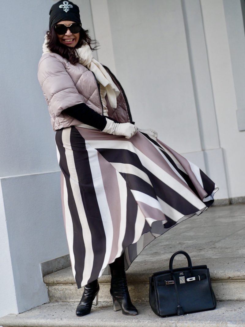Wintercolors, Zara top, Stripe skirt, Prada shades, Nine west shoes, Hermes bag, Fashionblog Augsburg, mystyle, ageless fashion, ladies, over 50 style, effortlesschic, streetstyle, streetwear, fashionweek, eyewearblogger