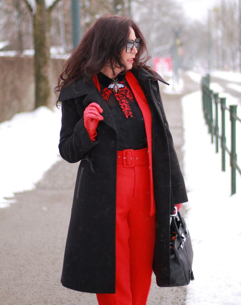 Ageless winterstyle, Zara suit, Manigance coat, Hermes bag, T-Zone Accessoires, YSL Shades, Fashionblog Augsburg, streetstyle in winter, streetchic, style for ladies, Modeblog Augsburg, eyewearblogger, elena bender Augsburg