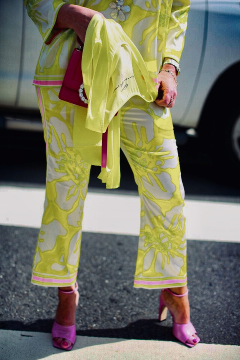 Neon outfit Grace Fashion, Marc Jacobs bag, Sergio Rossi shoes, Summerlook, ladies fashion, Fashionblog Augsburg, over50, over50blogger, style for ladies, streetwear, streetfashion, fashionphotography, germanblogger, traveling, travelandfashion