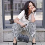 Stripes and feathers, black and white look, Benetton pants, palazzo pants, feathers top, YSL shades, Gucci shoes, Chanel bag, Souvenir top, Kaufrausch Augsburg, Fashionblog Augsburg, Modeblogger, streetstyle, streetwear, bestage, over50blogger, modeblogger50+, streetfashion, fashion for ladies