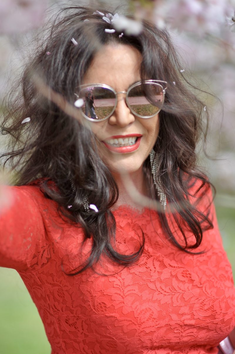 Taifun birthday dress, red lace, Dior bag, Sergio Rossi shoes, flowers, Dior shades, eyewearblogger, jewelryblogger, mystyle, bestageblogger, bestage, over50woman, over50style, fashionweek, Fashionblog Augsburg