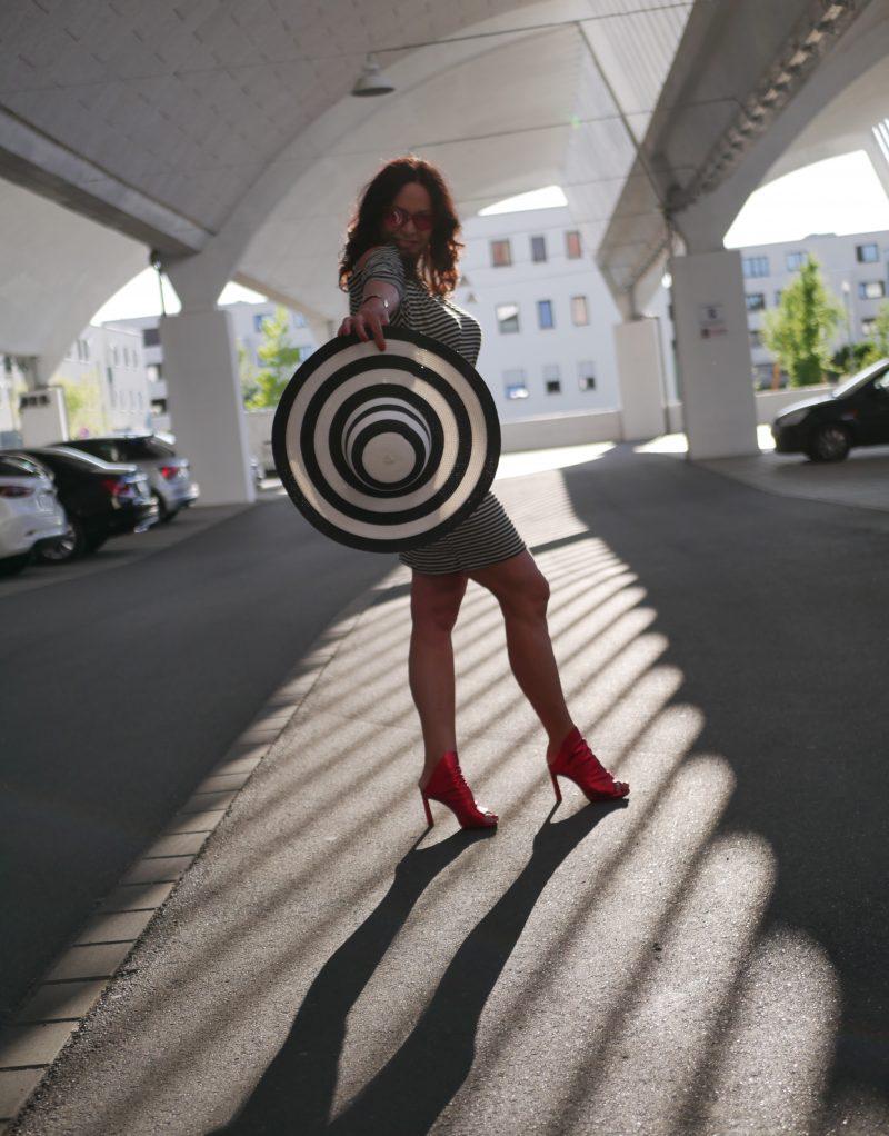 New collection dress, Vogue shades, Bruno Premi shoes, italian fashion, mystyle, Fashionblog Augsburg, Cult Gaia basket, cut out, eyewearblogger, accessoires, streetwear, streetstyle, eyeweardesign, designerwear, cochastyle, moda italia