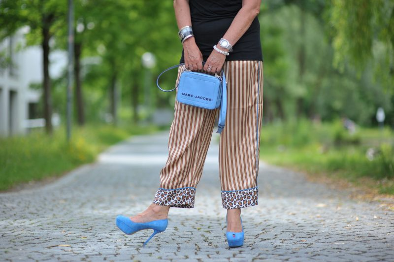 Scotch & Soda, pants, Rick Owen top, Marc Jacobs bag, Sergio Rossi shoes, Prada shades, style for ladies, over 50, mystyle, eyewearblogger, baglover, details, 50plushappy, streetstyle, fashionista, Fashionblog Augsburg, details, Accessoires, cochastyle
