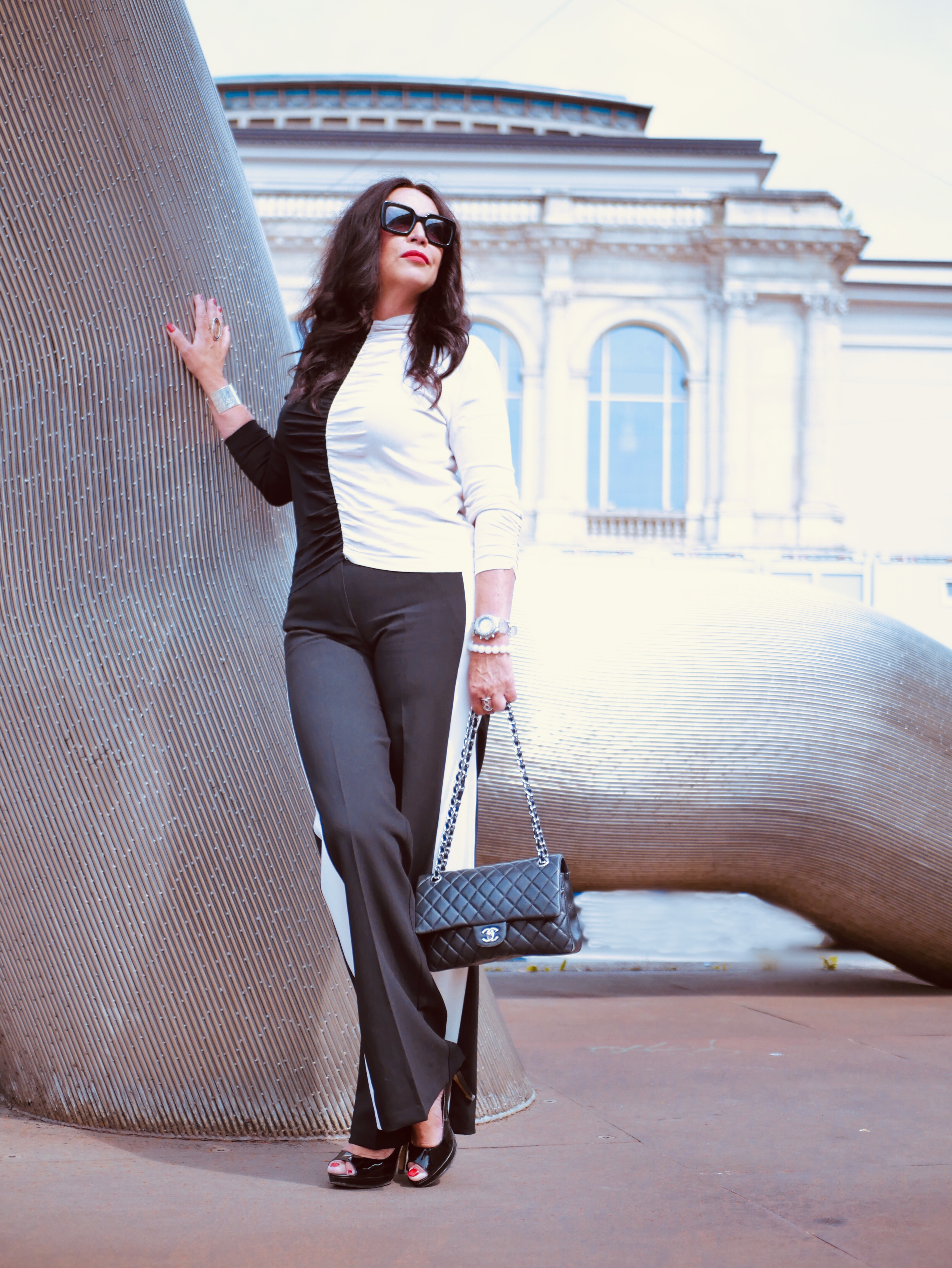 Sfizio pants, Zara top, Nine West shoes, Burberry shades, Chanel bag, mystyle, over50, 50plushappy, cochastyle, italia moda, style for ladies, fashionblogger, eyewearblogger, accessoires, streetstyle, fashion is my passion