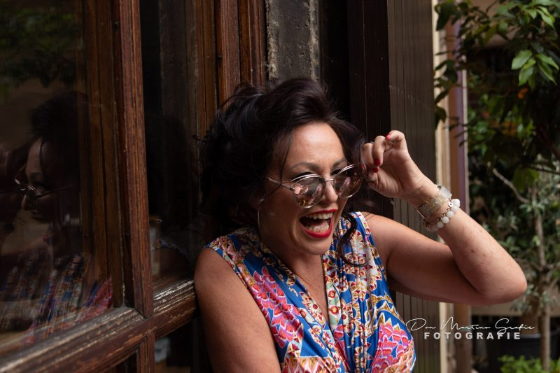 BeaTricia summerdress, Dianetten, Dior shades, Streetstyle in summer, summeroutfit, holidaylook, mystyle, over50, print, Beatricia, eyewearblogger, Accessoires, Holiday outfit, fashion and travel, enjoyfashion, my look, cochastyle