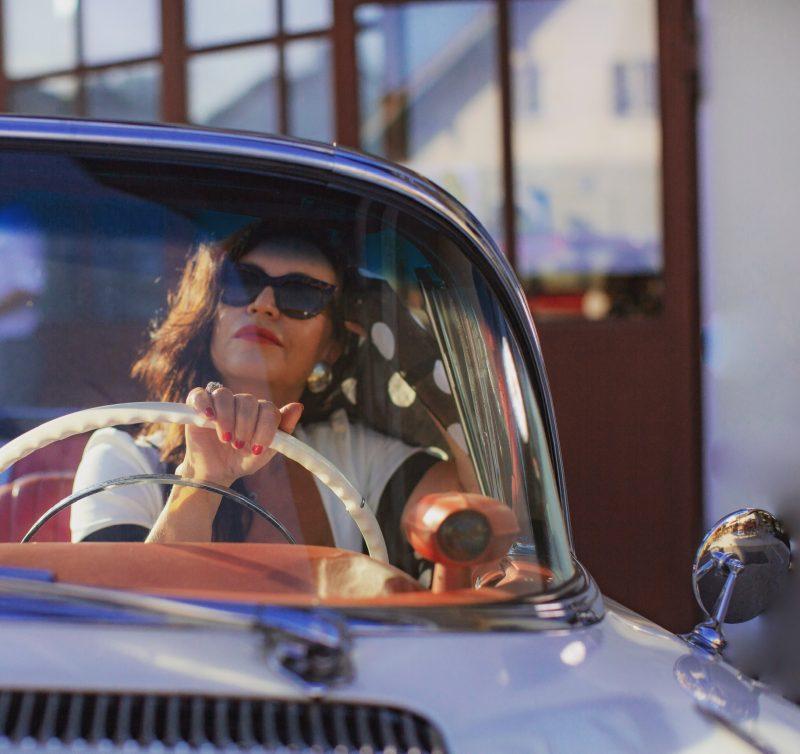 Pin up, 60s, Asos dress, Dolce & Gabbana shades and scarf, Nine West shoes, style for ladies, back into the past, modeblogger, fashionblogger, mystyle, eyewearblogger, stylish, munichblogger, strreetfashion 60s, Zeitreise, America, Rockabilly