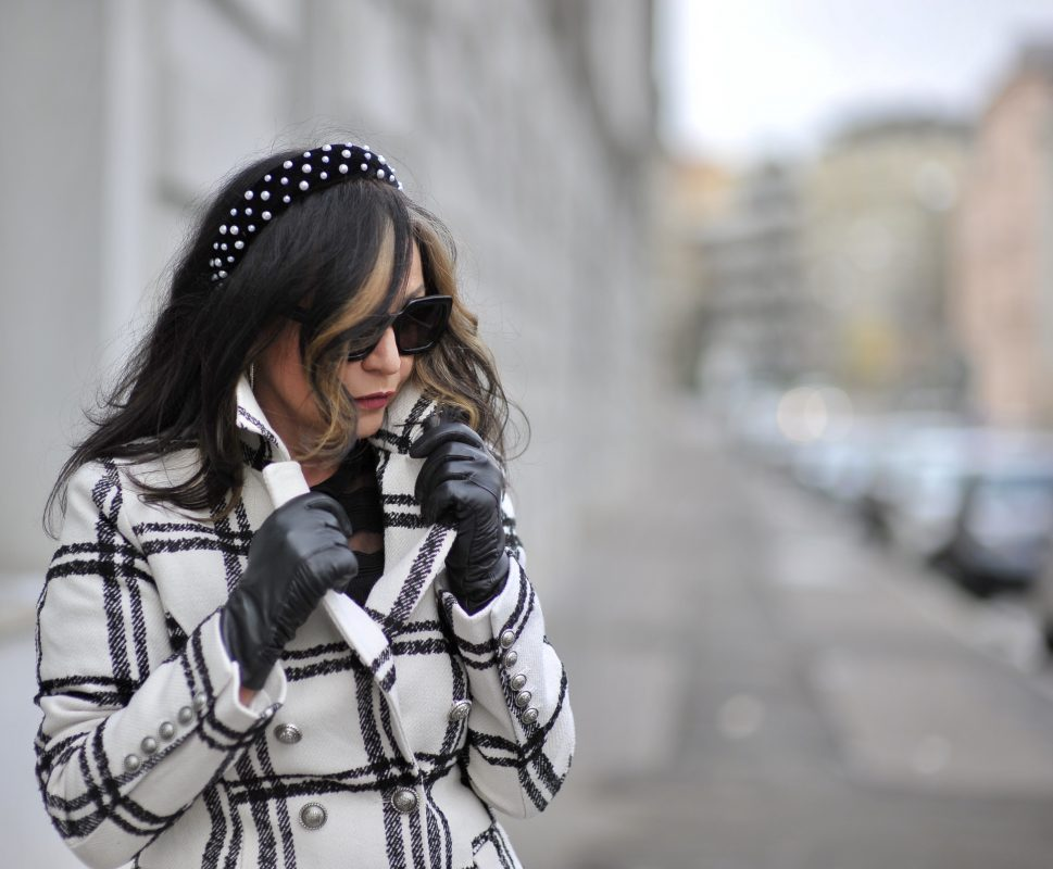 Black and white chequered coat, Rapsodia in nero, italian fashion, Asos shoes, Calzedonia stockings, Burberry shades, italia moda, Zara hair accessories, style for ladies, Fashionblog Augsburg, eyewearblogger, mystyle, fall outfit, ageless fashion, ageless style, modeblogger, munichblogger, cochastyle