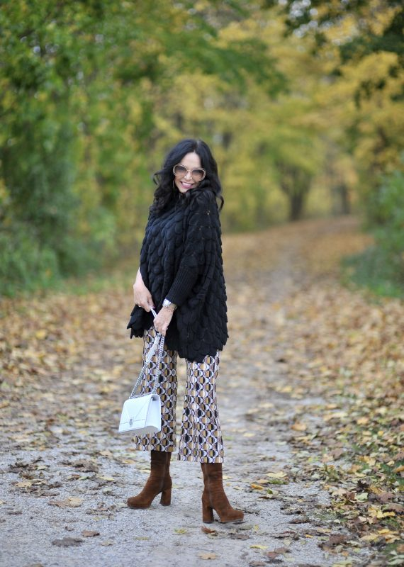 Falloutfit, Ana Alcazar, Sweater Tricia Fashion, Chloe shades, eyewearblogger, Dior bag, Accessoires, Fashionblog Augsburg, ageless fashion, ageless style, over50, 50plusandfaboulus, italian fashion, fashion for ladies, print, fall trends, streetstyle, pants