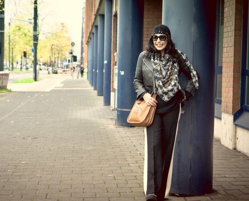 Yippie Hippie Scarf, Hermes Bag, Grace Fashion Sweater, Sfizio pants, Burberry shades, style for ladies, ageless fashion, styleinspiration, fashionblog Augsburg, cochastyle, streetstyle, fashionista, baglover, eyewearblogger, streetfashion