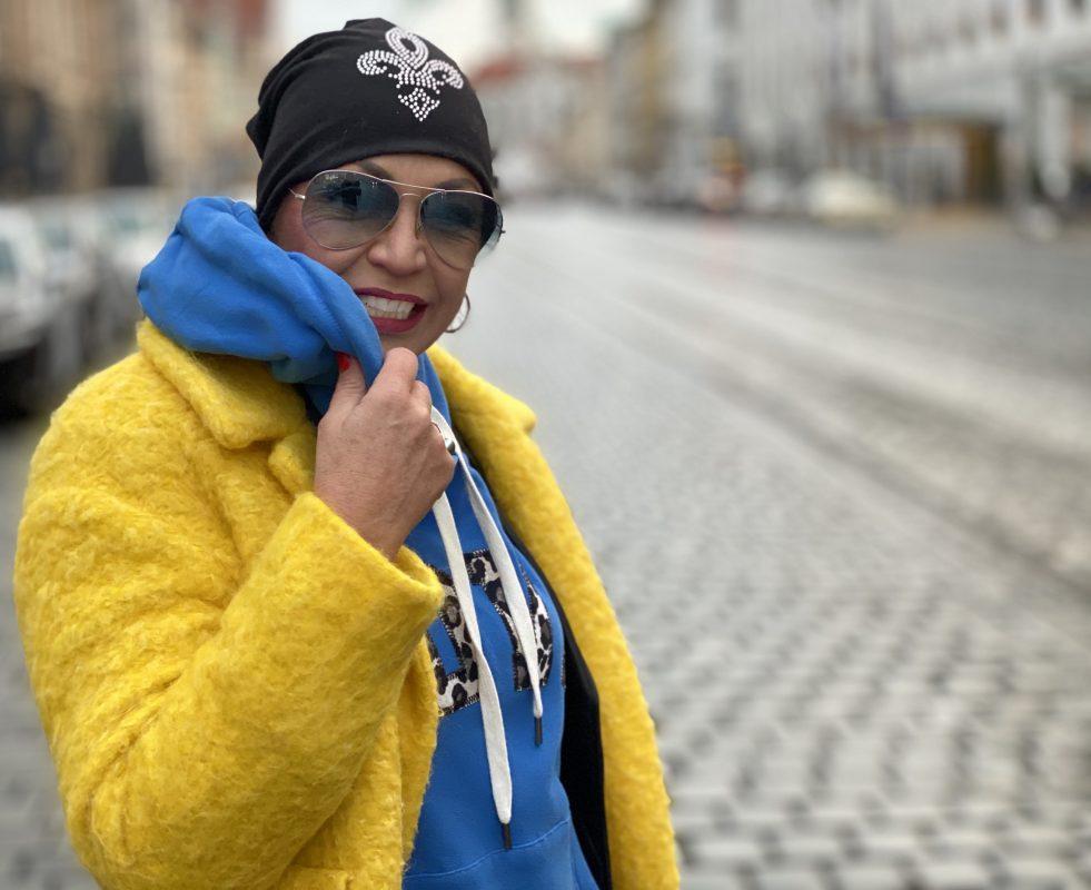 Blue sweater Grace Fashion, Marc Jacobs Bag, Ray Ban shades, Mango Coat, Vagabond boots, mystyle, Fashionblog Augsburg, Cochastyle, streetfashion, streetwear, Modeblogger, Windermode, Winter outfit, streetstyle, leo details, Munichblogger, eyewearblogger, eyewear